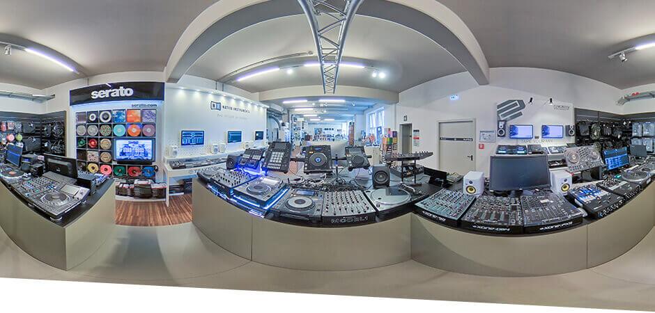 JustMusic Berlin FlagShipStore - Abteilung PA, Licht & DJ
